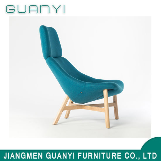 Fashion Solid Wood High Back Seat Armchair in Living Room